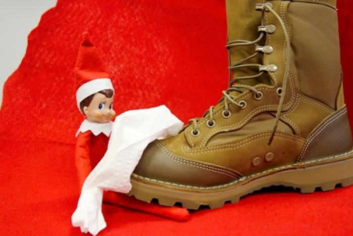 Elf shining military boots